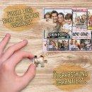 Foto-Puzzle / 24 Teile / We are family / inkl. Verpackung Kraftpapier Umschlag mit Gold-Inlay / mit ACHT Bildern bedrucken lassen